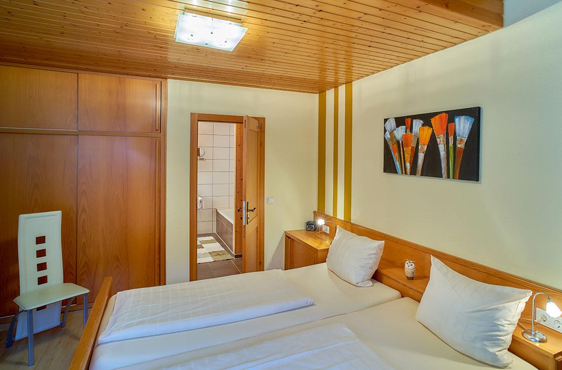 Hotel Am Goetheplatz - Ferienwohnung Schlafzimmer Eigenes Bad