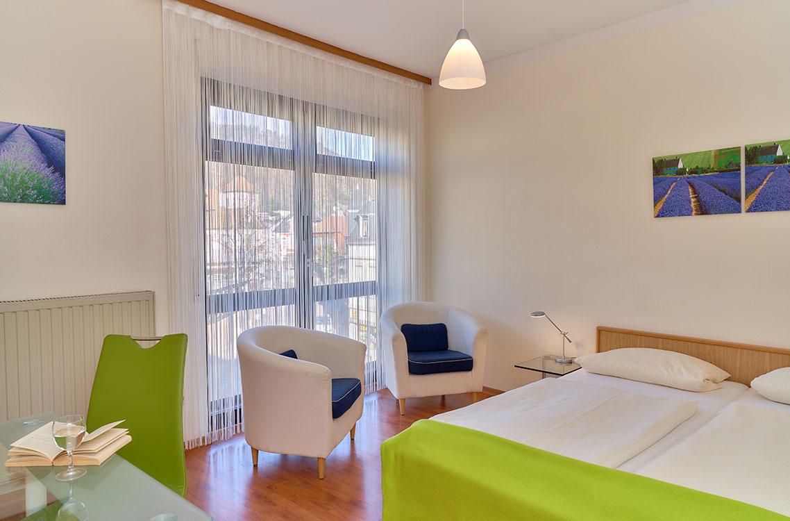 Hotel am Goetheplatz - Beispiel eines Doppelzimmers mit Ausblick